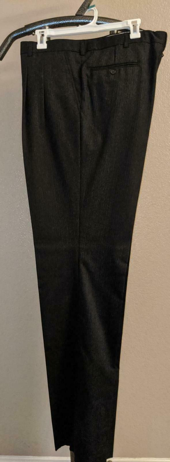 Italy Suit Ravel Worsted 46R/40W$375